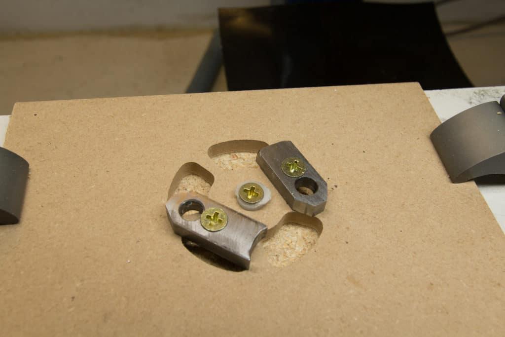 gear wheel clamped through cutouts